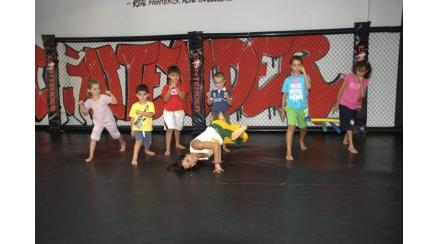 kids20capoeira-438x244
